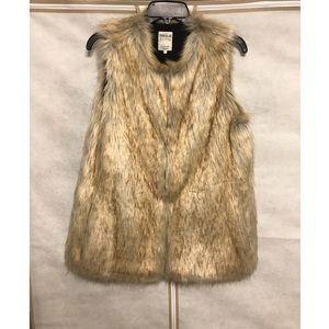 Zara Women's Faux Fur Vest
